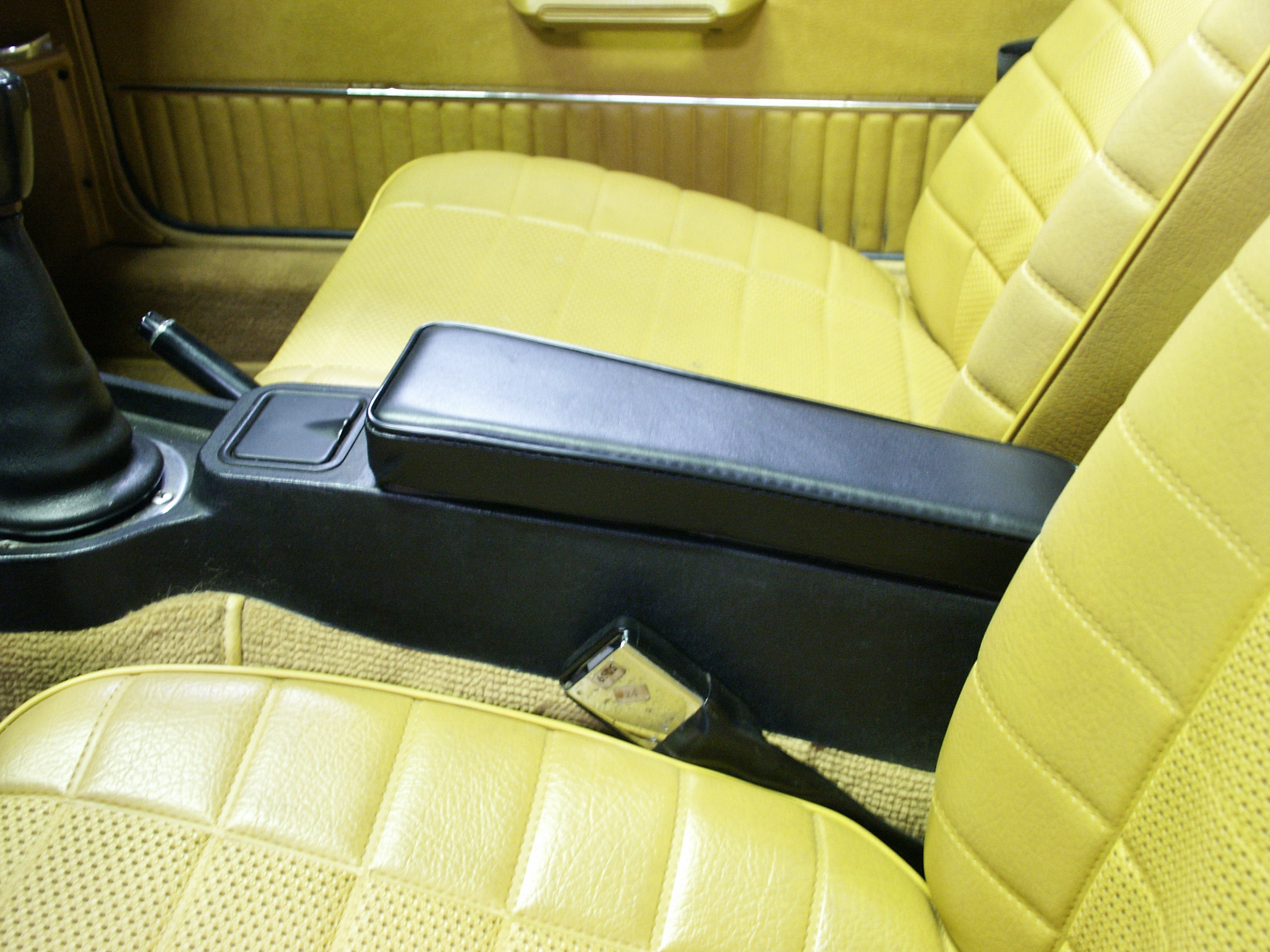 Extra-Thick Premium Armrest For '72-'80 MGB's